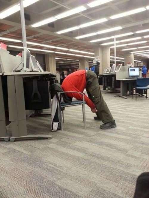 Приколы и казусы на рабочем месте (13 фото)
