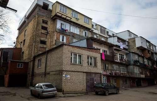 Балконные и другие пристройки как решение квартирного вопроса (20 фото)