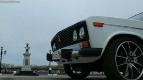 Рестайлинг автомобиля BMW, стилизованного под ВАЗ-2106 (5 фото)