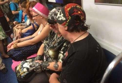 Модники и модницы московского метро (30 фото)