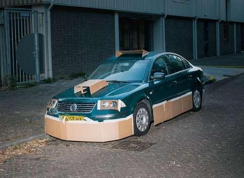 Художник бродит по ночному Амстердаму и тюнингует автомобили (9 фото)