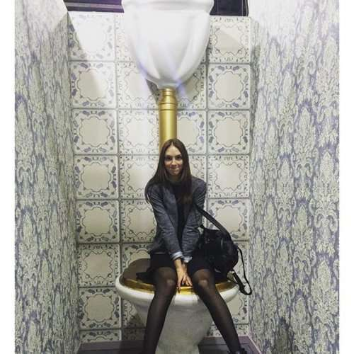 Необычные туалеты по всему свету (18 фото)