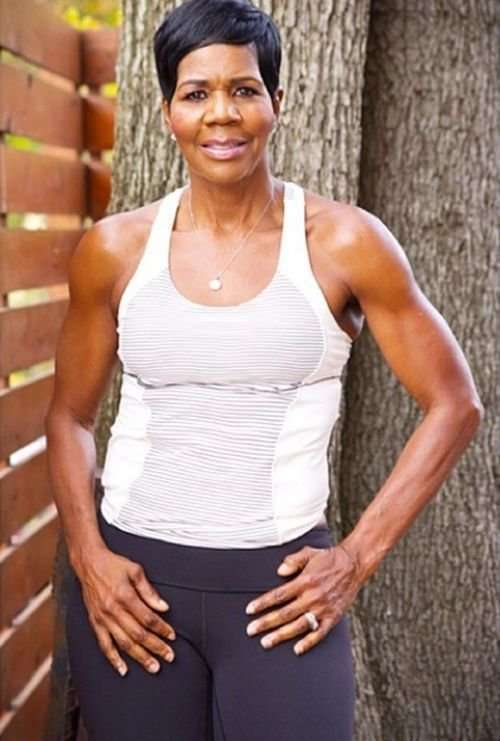 Американская пенсионерка, ставшая фитнес-тренером (7 фото)