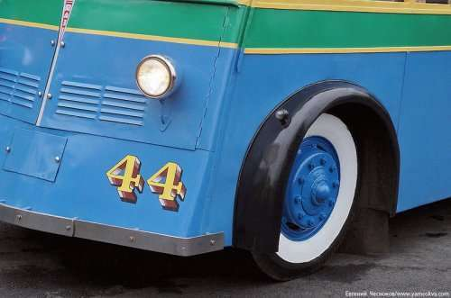 Раритетные транспортные средства на Празднике московского троллейбуса (39 фото)