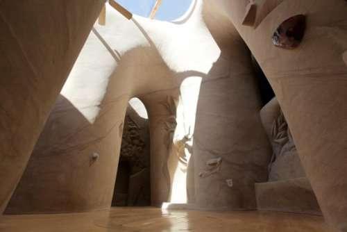 Рукотворные пещеры невероятной красоты в пустыне Нью-Мексико (17 фото)