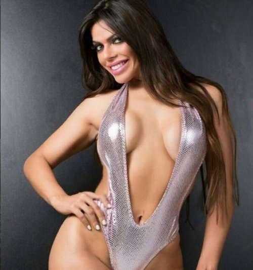 Победительница конкурса попок Miss Bumbum Brasil 2015 (22 фото)
