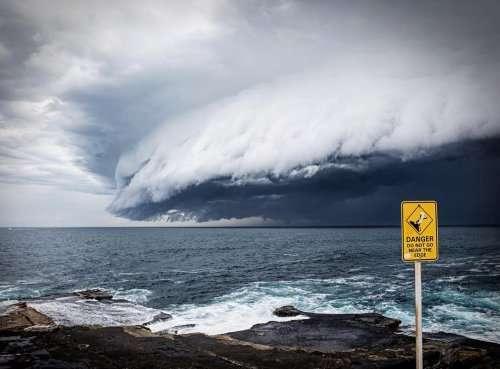 Гигантское облачное цунами над Сиднеем (6 фото)