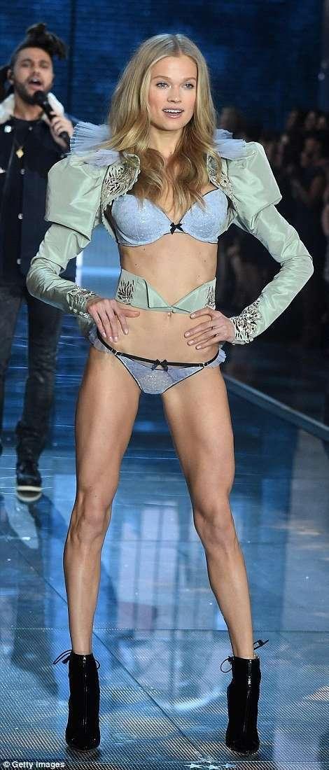 Victoria's Secret Fashion Show 2015 (45 фото)