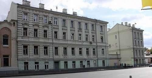 Необычные дома и здания в России (28 фото)