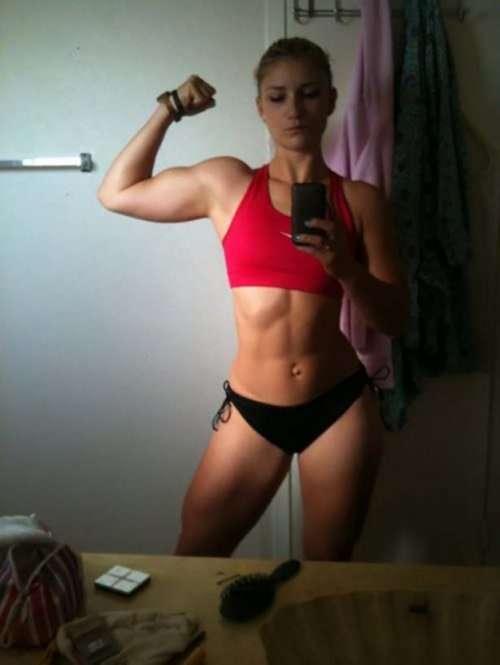 Фитнес-девушки (33 фото)