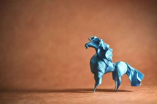 Потрясающие оригами, сложенные из одного листа художником Гонсало Гарсии Кальво (30 фото)