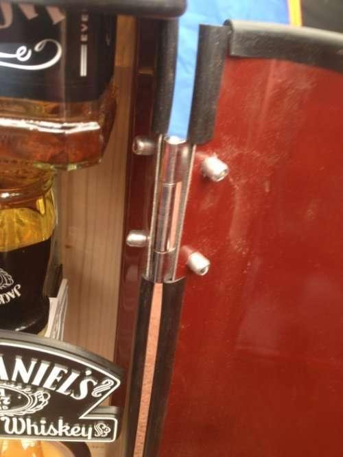 Самый необычный мини-бар из всех, что вы видели (10 фото)