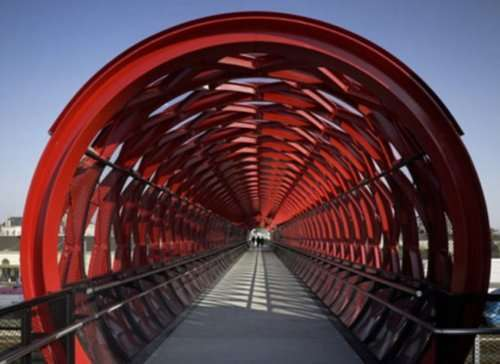 Топ-10: Невероятные и необычные пешеходные мосты