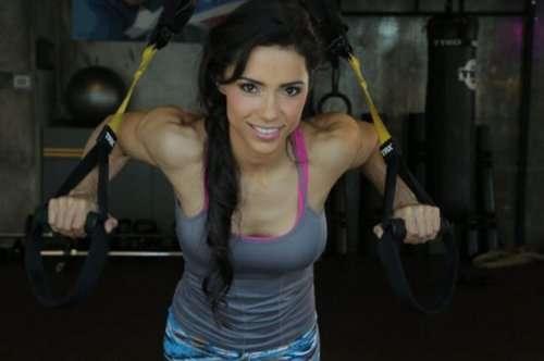 Фитнес-девушки (24 фото)
