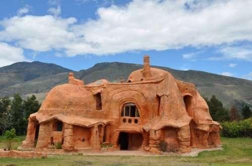 Терракотовый дом в Колумбии (8 фото)