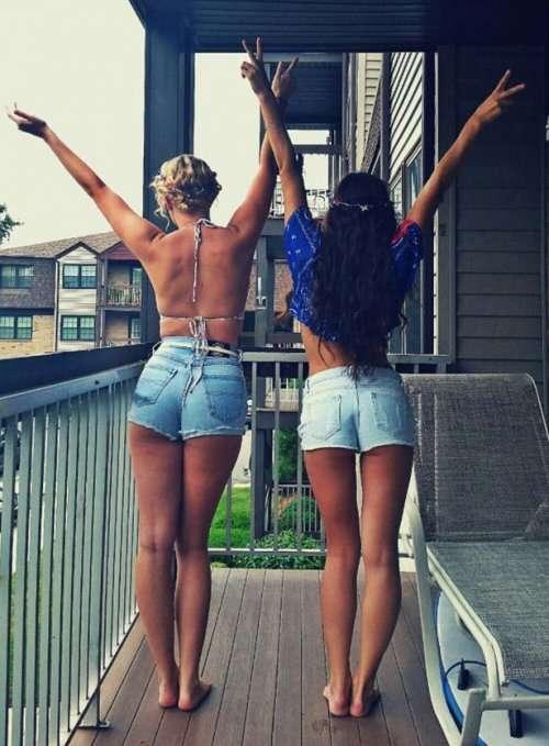 Девушки из соцсетей (32 фото)