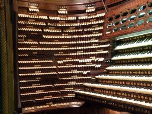 В концертном зале Бордуок находится крупнейший в мире орган (9 фото)