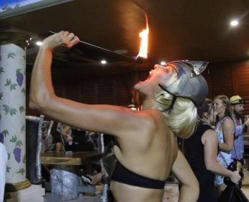 Самая сумасшедшая вечеринка всех времён (35 фото)