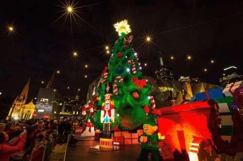 Самые красивые и оригинальные новогодние ёлки со всего света (11 фото)