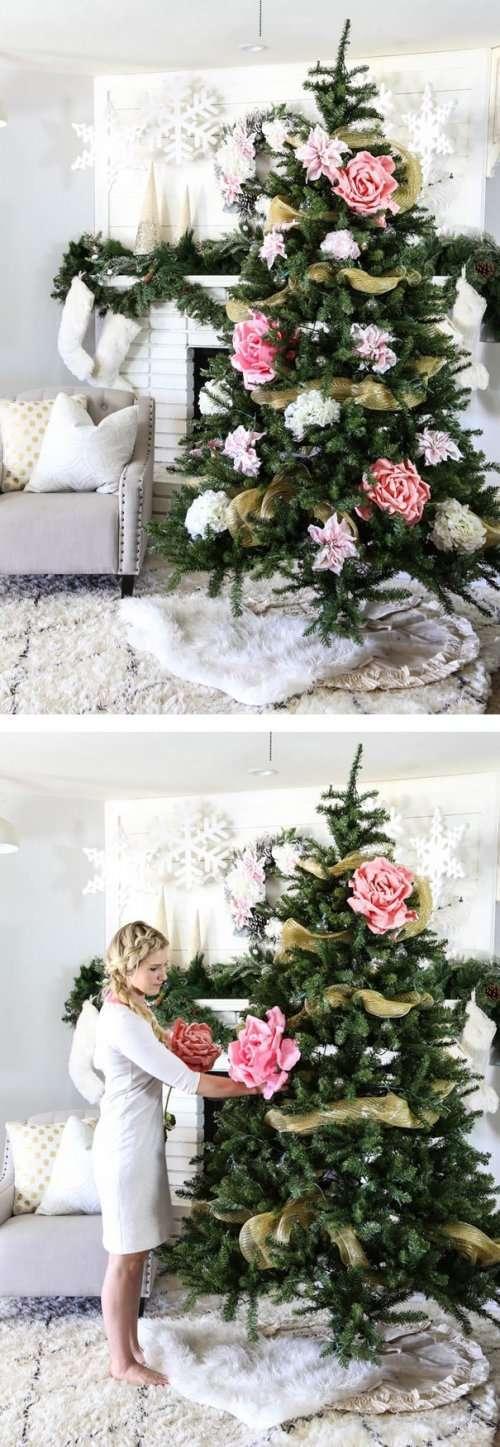 Новогодние ёлки, украшенные цветами (21 фото)