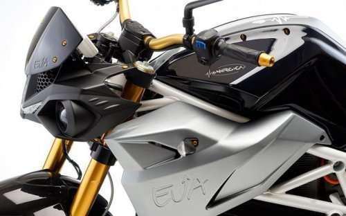 Электробайк Energica Eva без коробки передач и сцепления (5 фото)