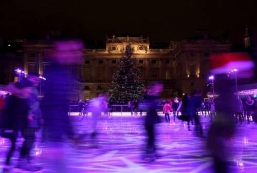 Мир готовится к новогодним праздникам (23 фото)