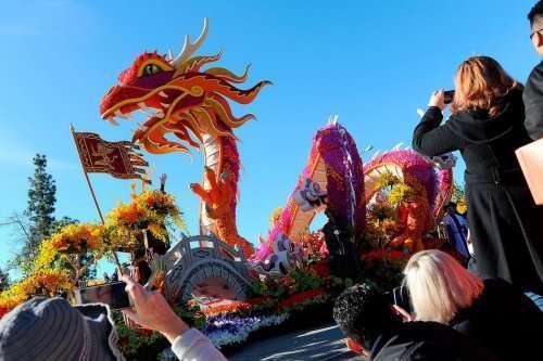Ежегодный Парад роз в этом году завершился скандалом (14 фото)