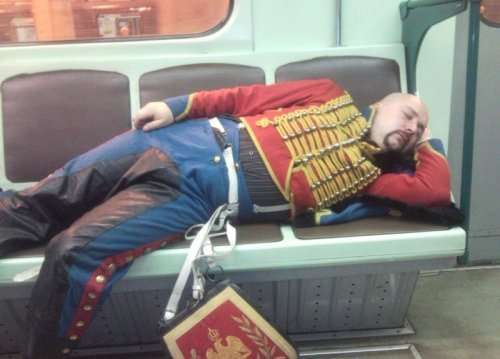 Необычные пассажиры в метро (31 фото)