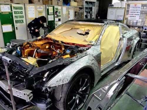 Золотой суперкар Nissan GT-R (24 фото)