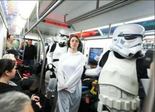 Приколы и странности нью-йоркского метро (25 фото)