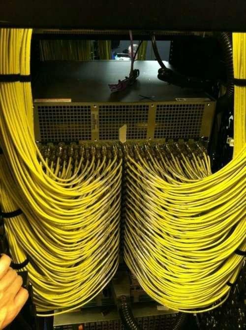 Как выглядят серверные настоящих перфекционистов (22 фото)