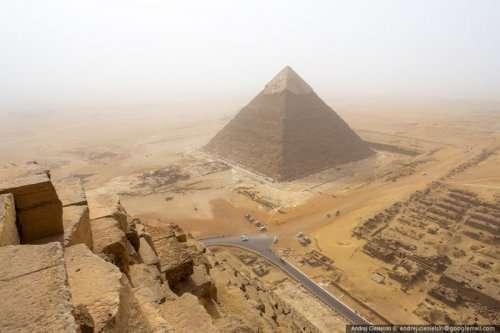 18-летний руфер взобрался на пирамиду в Гизе (7 фото + видео)