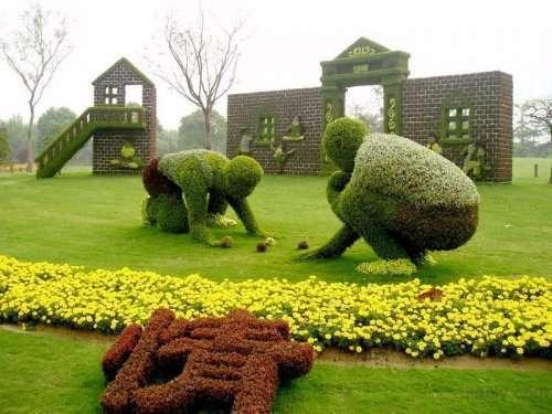 Впечатляющие топиарные скульптуры (14 фото)