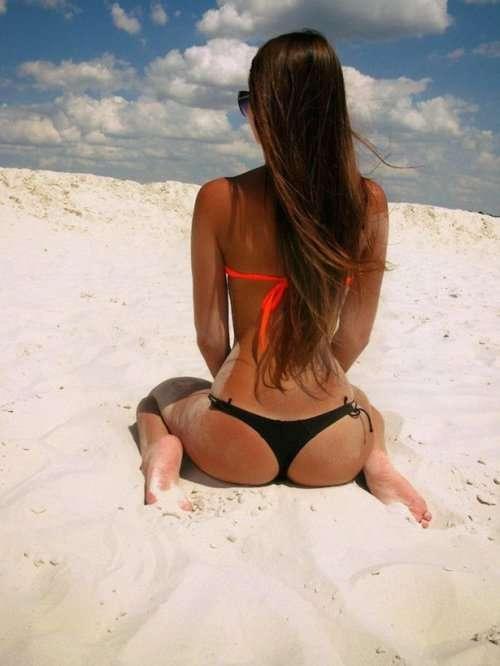 Соблазнительные женские попки (20 фото)