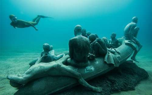 Атлантический музей — первый подводный музей в Европе (14 фото)